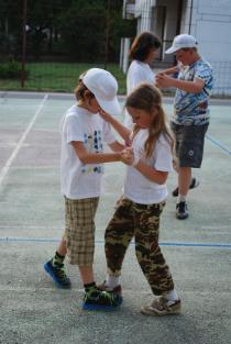 детский лагерь Жемчужный берег - учим танцы