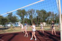 """лагерь """"Мир"""" соревнования по волейболу и пионерболу в обязательной программе"""