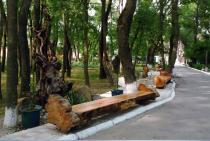 Радуга, скамейки для отдыха